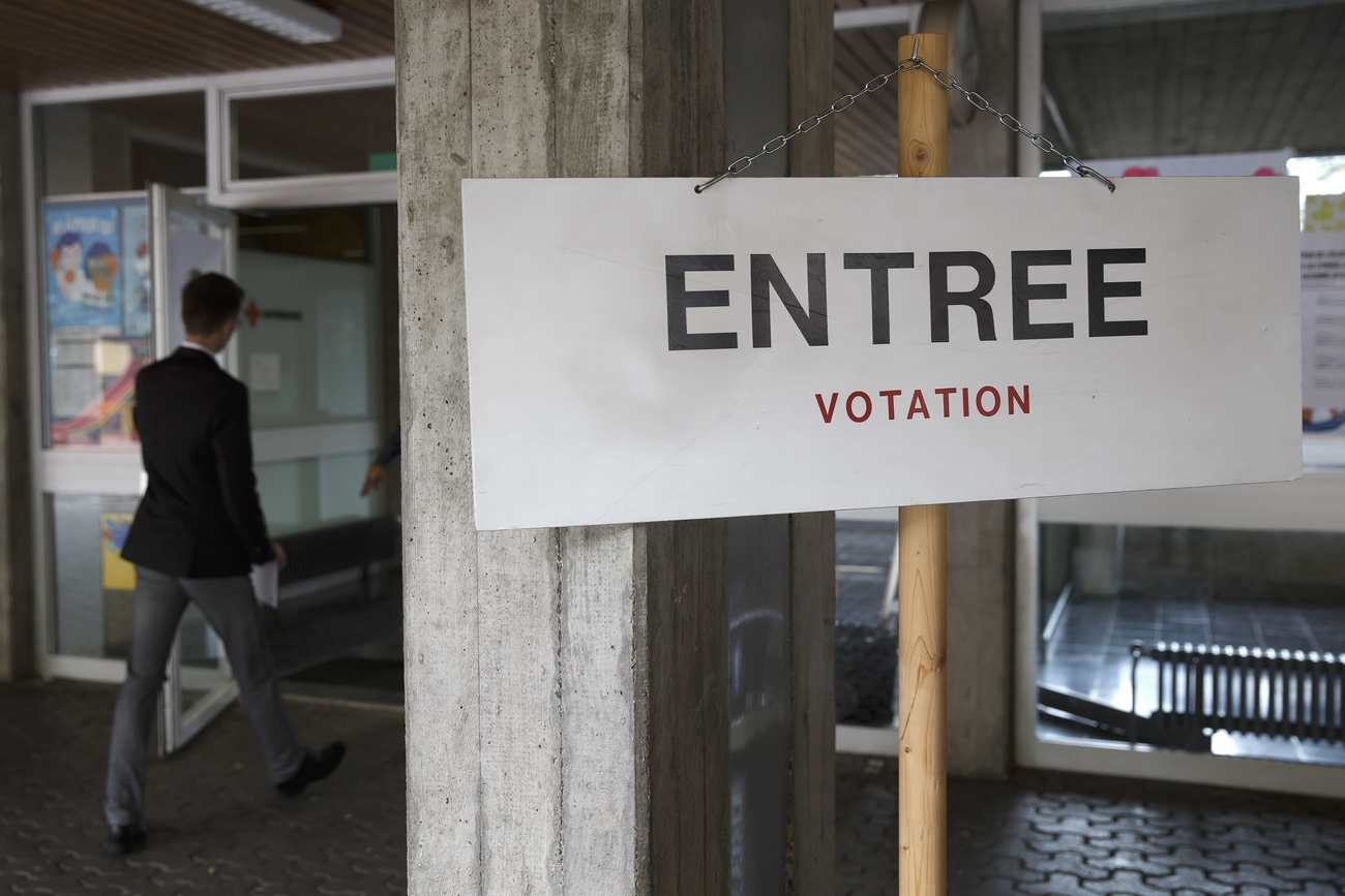 Un local de vote à Carouge.