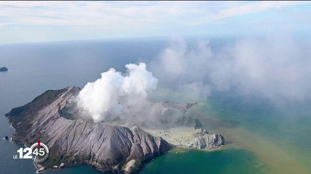 En Nouvelle-Zélande, l'éruption surprise d'un volcan sur une île au nord-est du pays a fait plusieurs victimes. [RTS]