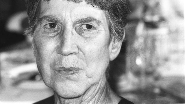 L'auteure Natalia Ginzburg à Rome en 1988. [Marcello Mencarini - Leemage/AFP]