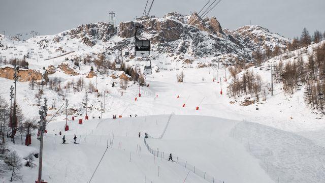 La FIS avait donné son feu vert pour les épreuves de Val d'Isère le 6 décembre. [Compte Twitter officiel @valdisere - RTS]