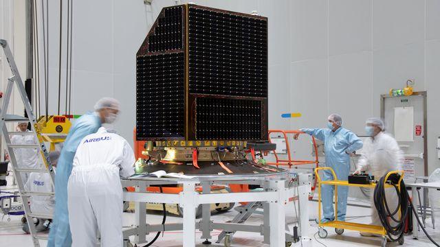 CHEOPS en préparation pour le lancement. M. Pedoussaut ESA [M. Pedoussaut - ESA]