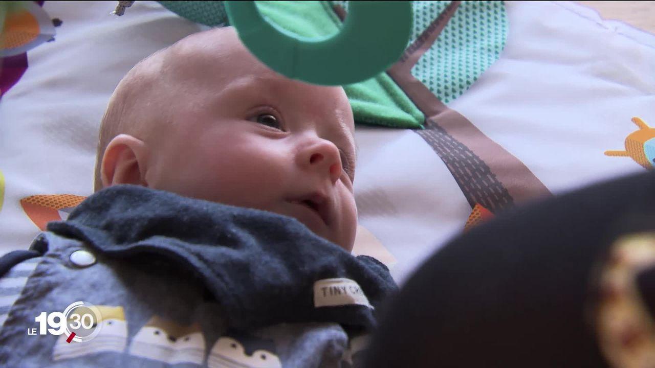 Très répandus en Suisse alémanique, des coachs en désir d'enfant aident des couples confrontés à des problèmes d'infertilité. [RTS]