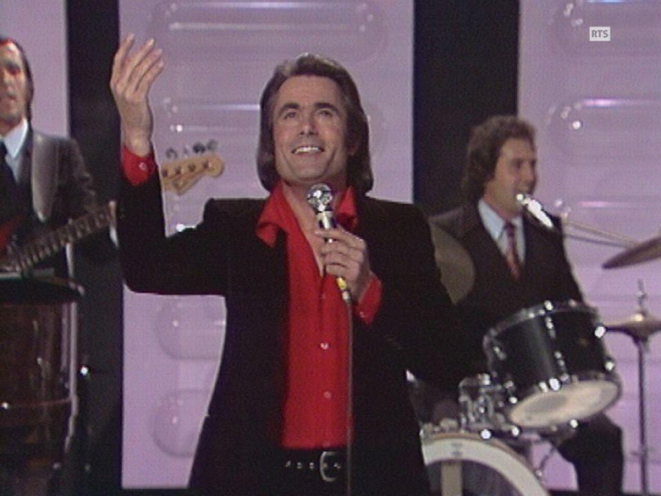 Alain Barrière à la salle des fêtes de Thônex en 1973 [RTS]
