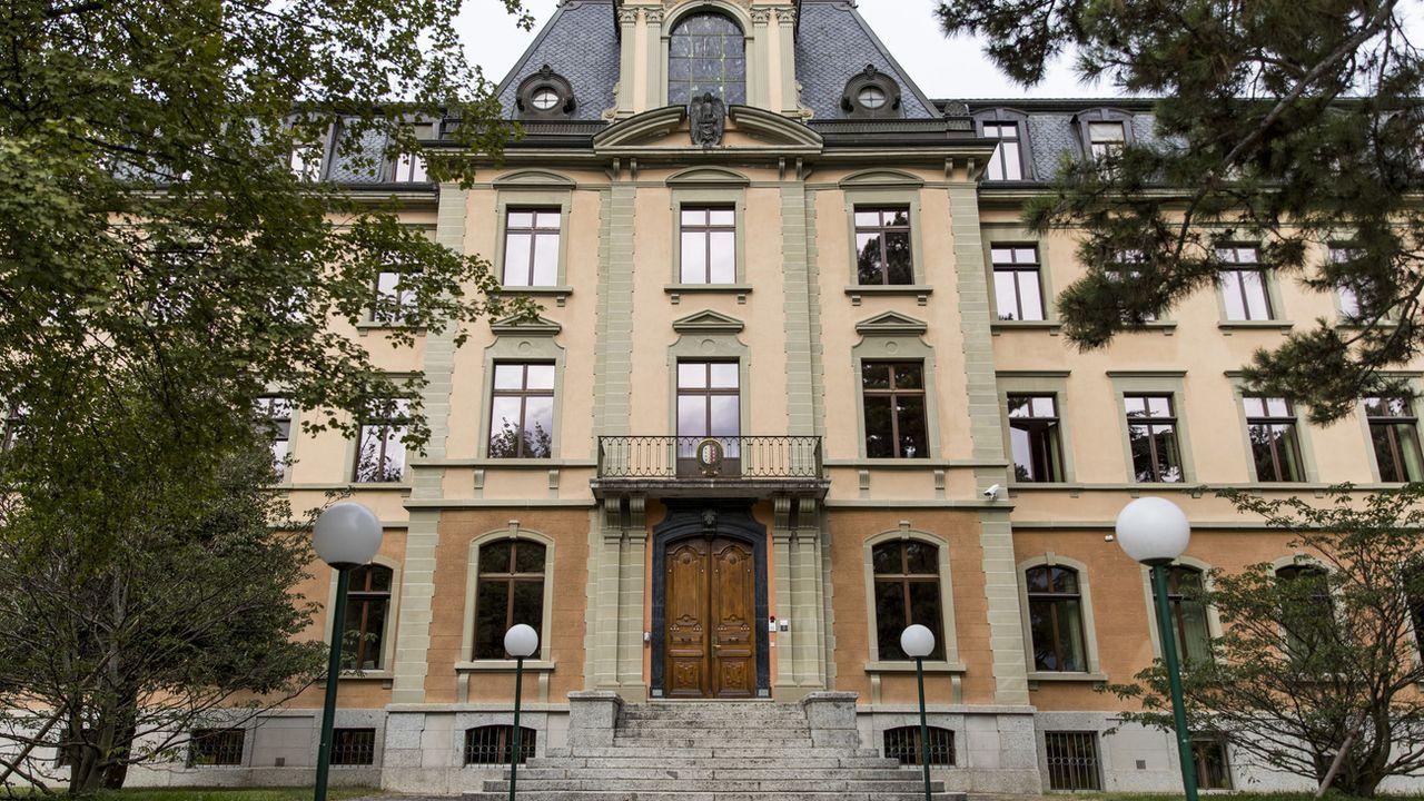 Le bâtiment abritant le Tribunal cantonal valaisan à Sion. [Christian Merz - Keystone]