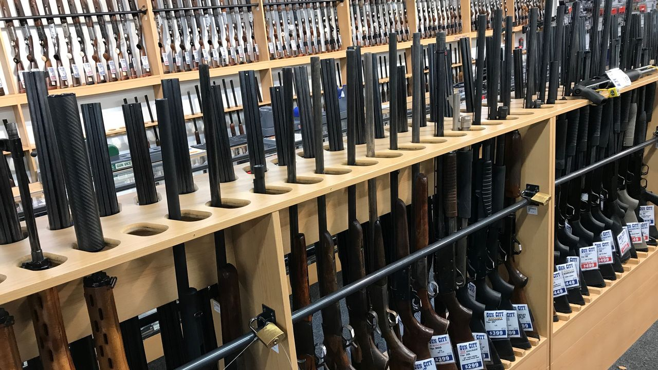 Des armes dans un magasin de Christchurch, en Nouvelle-Zélande. [Jorge Silva - Reuters]