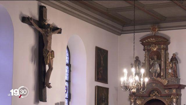 Comment les catholiques perçoivent-ils le pape François? Visite à la messe du Vorbourg, à Delémont. [RTS]