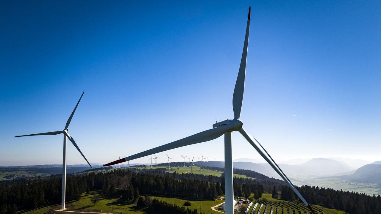 La construction du parc éolien du Crêt-Meuron (NE) divise. [Valentin Flauraud - Keystone]