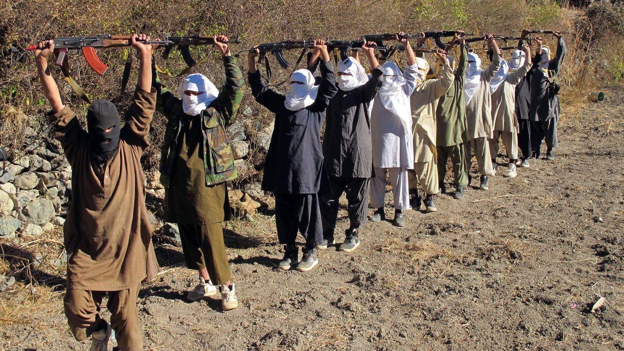 Les talibans rejettent l'idée d'un cessez-le-feu (ici en 2011 à la frontière entre Afghanistan et Pakistan) [Saood Rehman - Keystone/EPA]