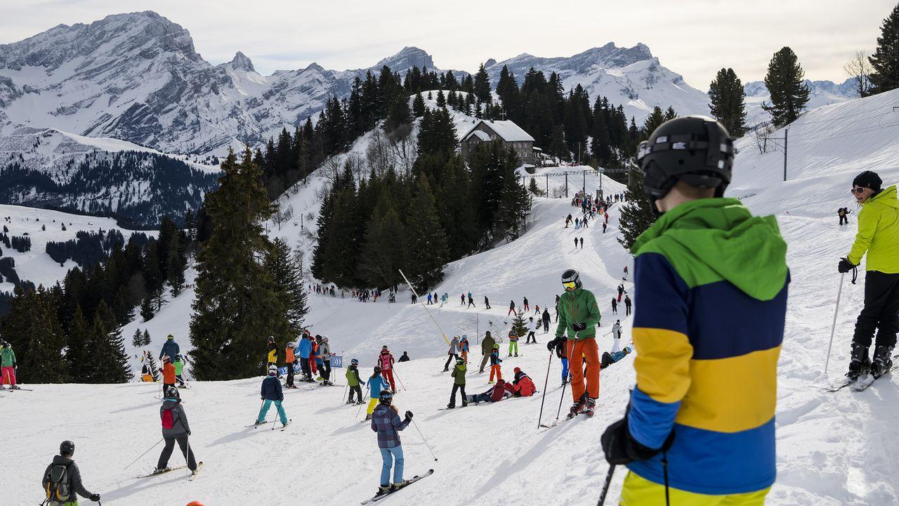 L'affluence sur les pistes est souvent considérable durant les vacances de Noël (ici à Villars le 31 décembre 2017) [Keystone]