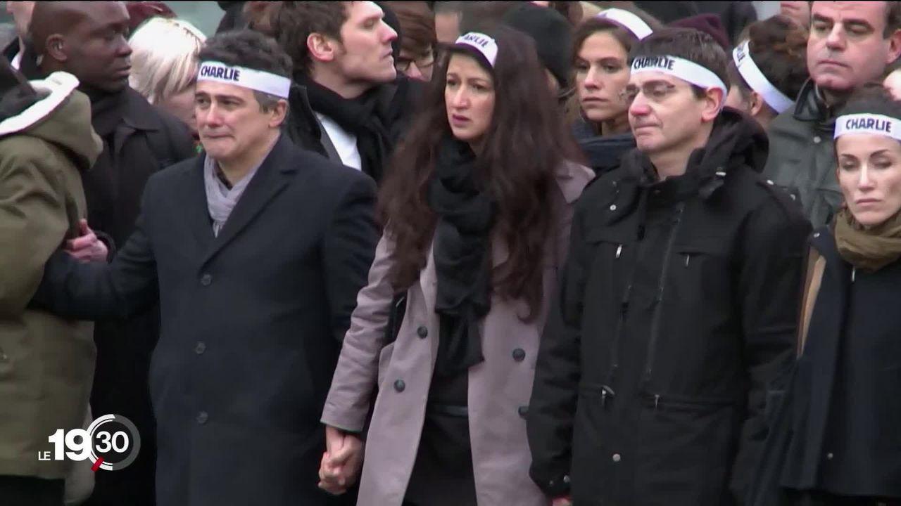Cinq ans après la tuerie à Charlie Hebdo, le magazine satirique veut croire dans les vertus du dessin qui a fait sa marque. [RTS]
