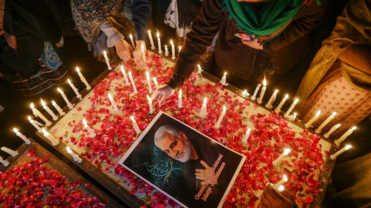 Des musulmans chiites rendent hommage à Qassem Soleimani à Islamabad, en Afghanistan. [Aamir QURESHI - AFP]