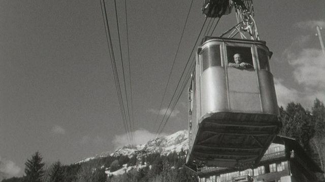 Le téléphérique de Champéry en 1959. [RTS]