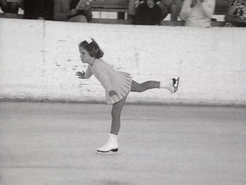 Gala de patinage artistique à la patinoire de Crans-Montanaen 1971. [RTS]