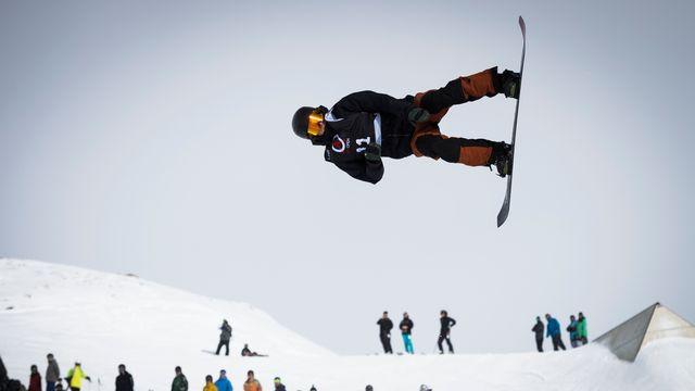Snowboard Laax, slopestyle finale dames et messieurs [Gian Ehrenzeller - Keystone]