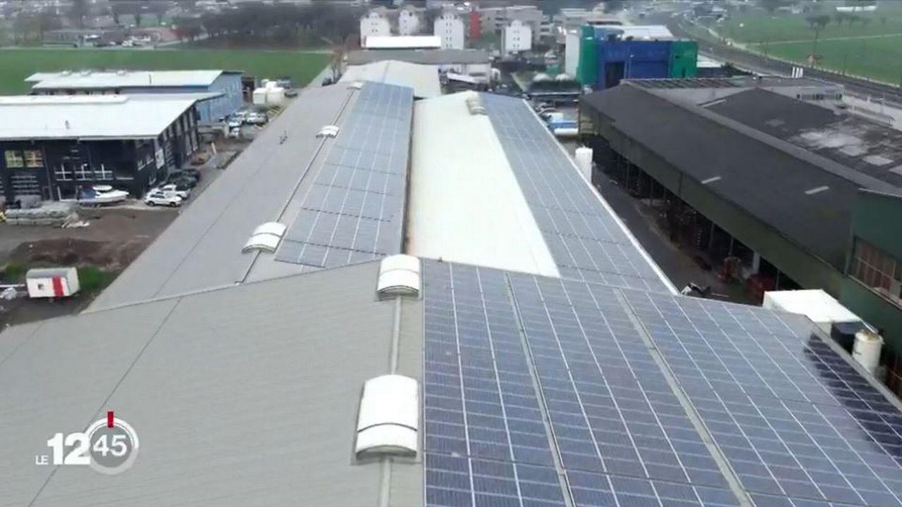 La Suisse a les moyens techniques et financiers pour mener la transition énergétique selon le Fonds National Suisse. [RTS]