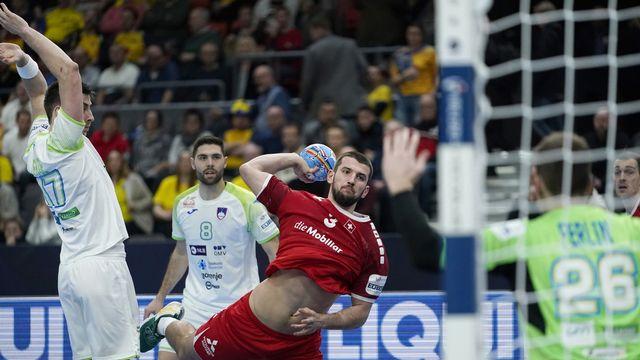 Lucas Meister et ses coéquipiers n'ont pu vaincre la Slovénie. [Bjorn Larsson Rosvall - Keystone]