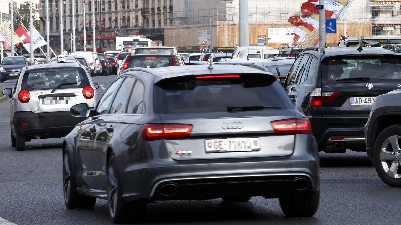 Le centre de Genève sera interdit aux véhicules très polluants en cas de smog. [Salvatore Di Nolfi - Keystone]