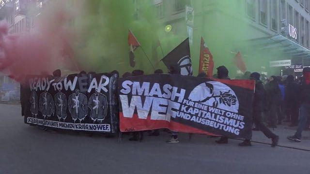 Une manifestation contre le WEF en ville de Berne en 2018. [RTS]