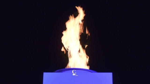 La flamme des JOJ 2020 à Lausanne est produite uniquement par une énergie renouvelable. Le bois. Une première olympique [RTS]