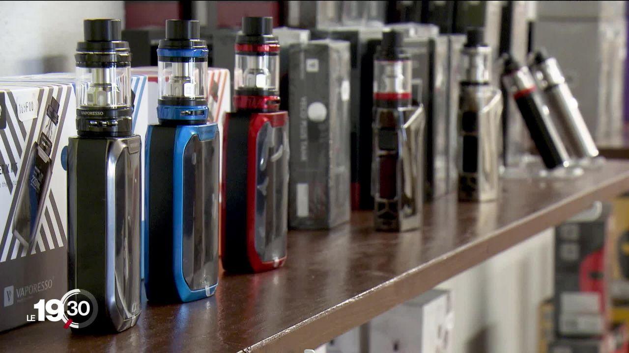 Genève durcit sa réglementation sur le tabac et les produits assimilés au tabac, dont la cigarette électronique. [RTS]