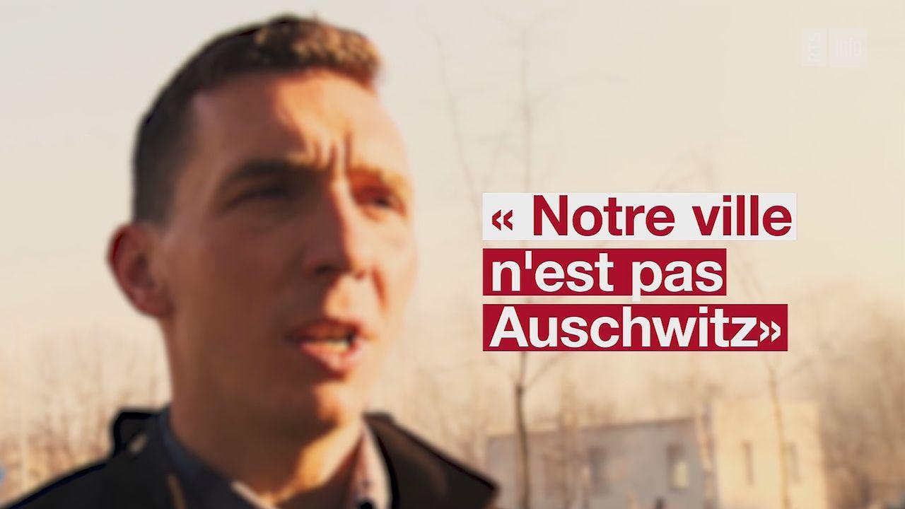 Les habitants d'Oswiecim tentent de séparer le destin de leur ville du camp nazi.