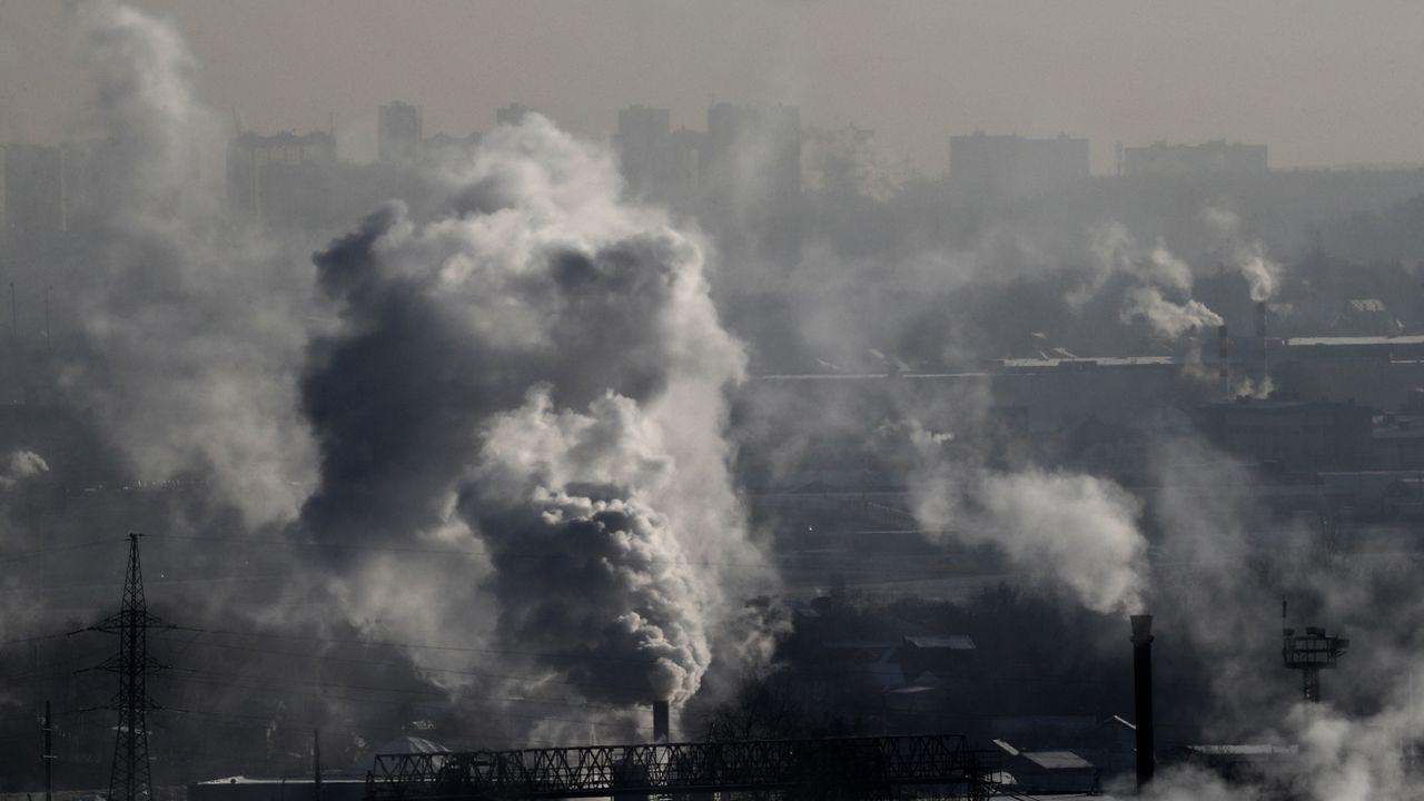 On pourrait utiliser du CO2 pour recycler des déchets.  [EPA/Maxim Shipenkov - Keystone]