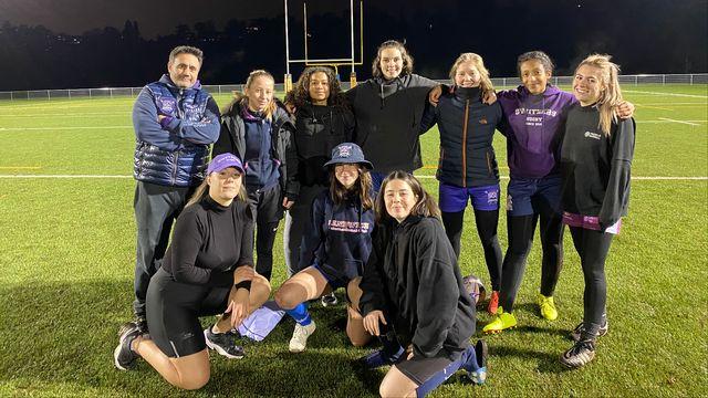 Une partie de l'équipe féminine des Switzers après un entraînement à Genève. [Stefan Renna - RTS]