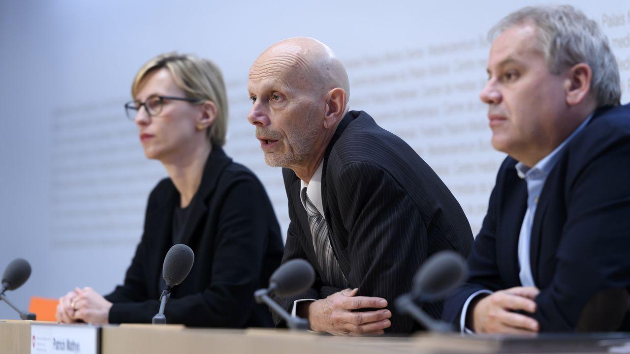 Daniel Koch, responsable de la division Maladies transmissibles à l'OFSP, s'est exprimé mardi matin à Berne lors d'une conférence de presse [Anthony Anex - Keystone]