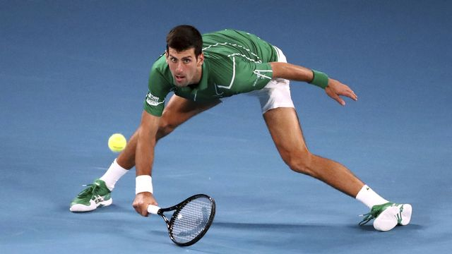Novak Djokovic, l'homme-élastique, n'a perdu qu'une manche sur la voie qui mène aux demi-finales. [Dita Alangkara - AP]