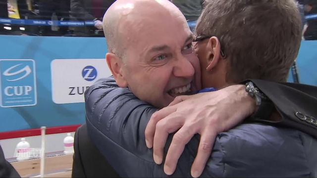 Finale, HC Ajoie - HC Davos (7-3): l'émotion de Gary Sheehan (entraîneur du HC Ajoie) après la victoire [RTS]