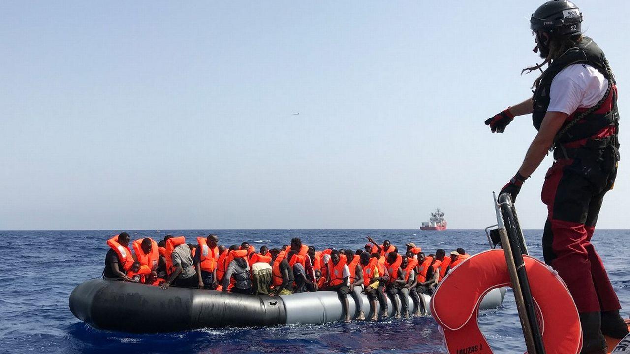 Des élus proposent que la Suisse accueille 2% des migrants sauvés en mer. [Anne Chaon - AFP]
