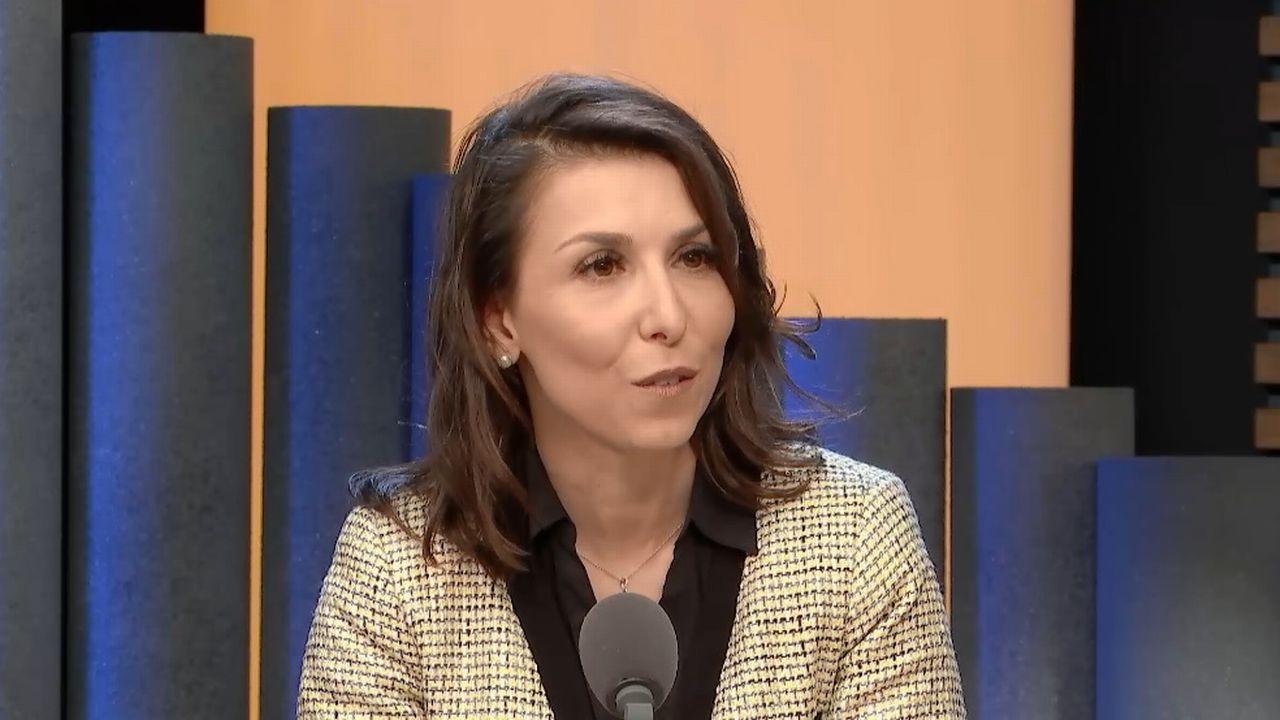 """Maddalena Di Meo, directrice de la société Firstmed et créatrice de l'app """"Que dit le pédiatre?"""" [RTS]"""