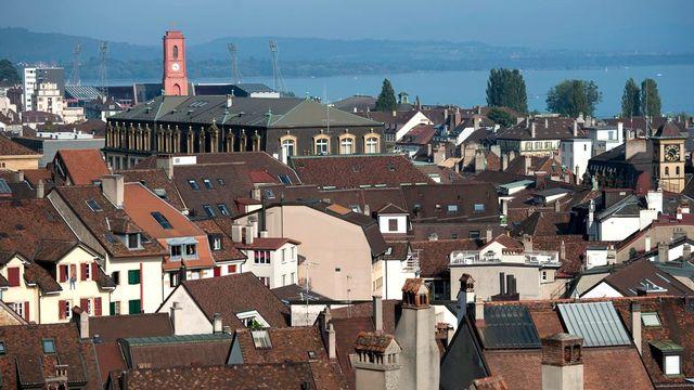 Les toits de la ville de Neuchâtel. [Laurent Gillieron - Keystone]
