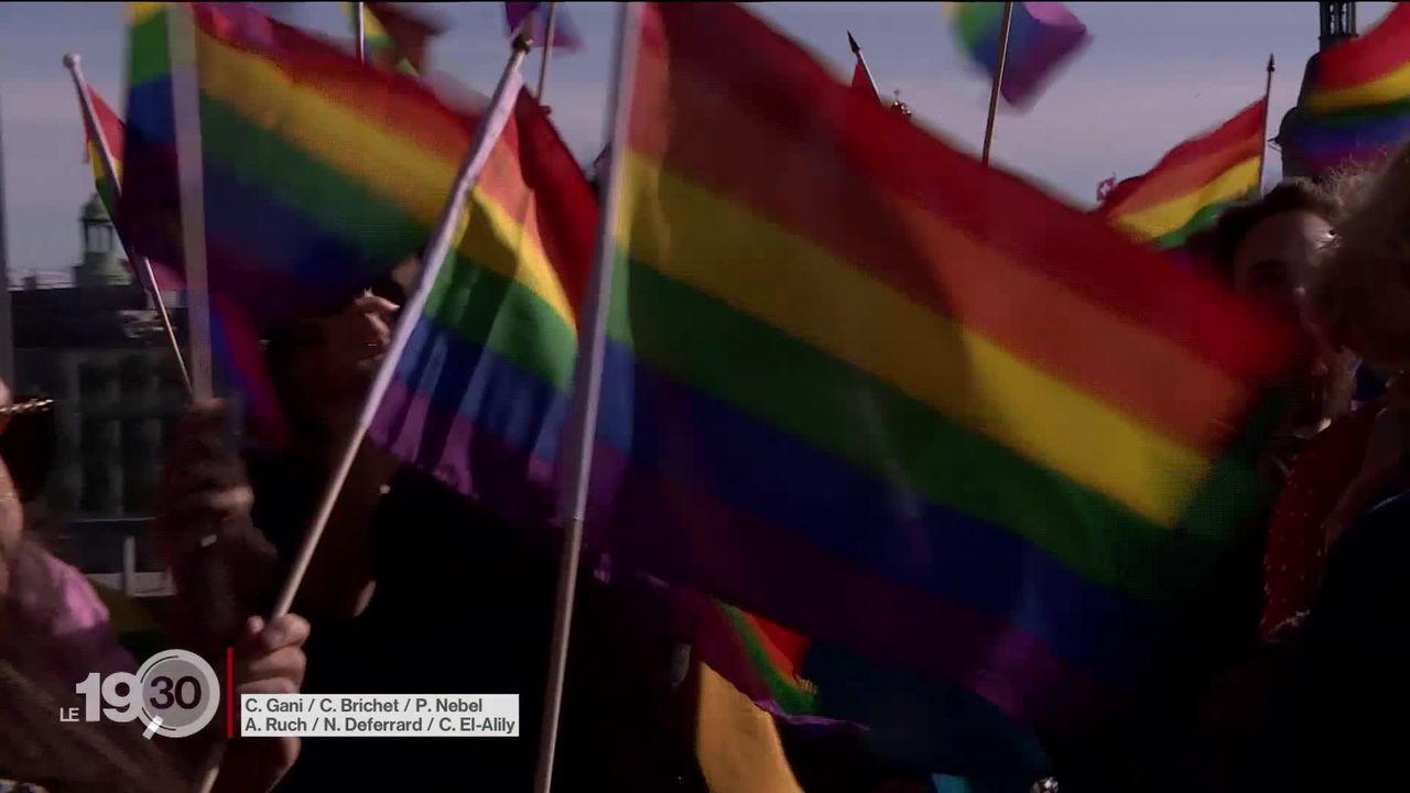 La norme anti-homophobie largement acceptée. [RTS]