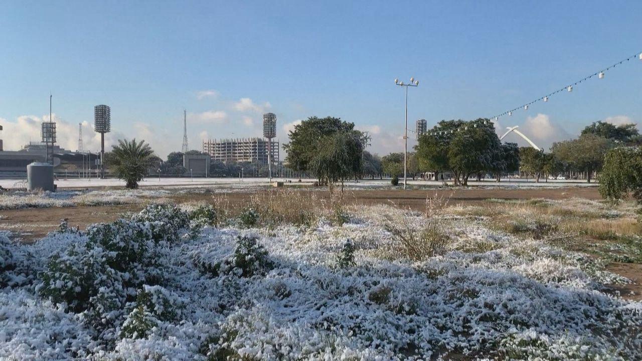 Bagdad s'est réveillée mardi sous un mince manteau de neige