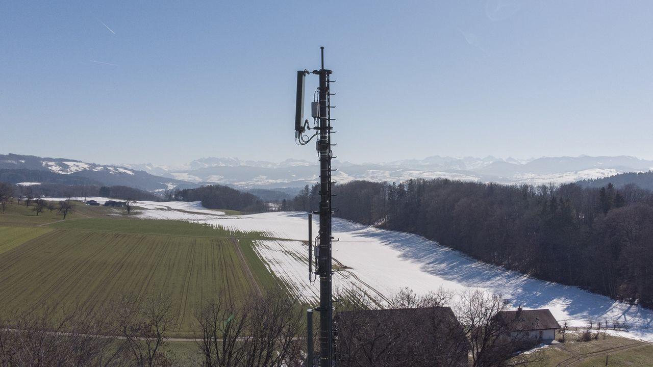 Une antenne 5G dans le canton de Zurich. [Christian Beutler - Keystone]