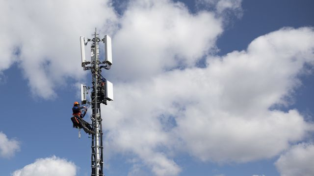 L'Union européenne ouvre la porte de la 5G à Huawei, mais pose des conditions strictes. [Peter Klaunzer - Keystone]