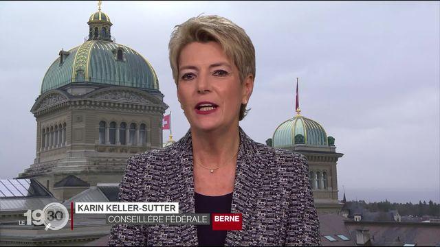 """Karin Keller-Sutter: """"Il faut informer la population des conséquences de cette initiative de l'UDC dite de limitation."""" [RTS]"""