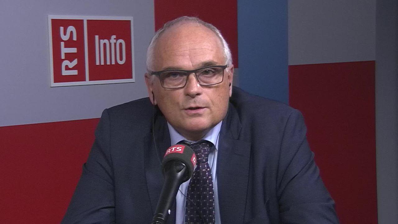 L'UDC bernois Pierre Alain Schnegg plaide en faveur de primes maladie plus chères pour les riches, son interview [RTS]