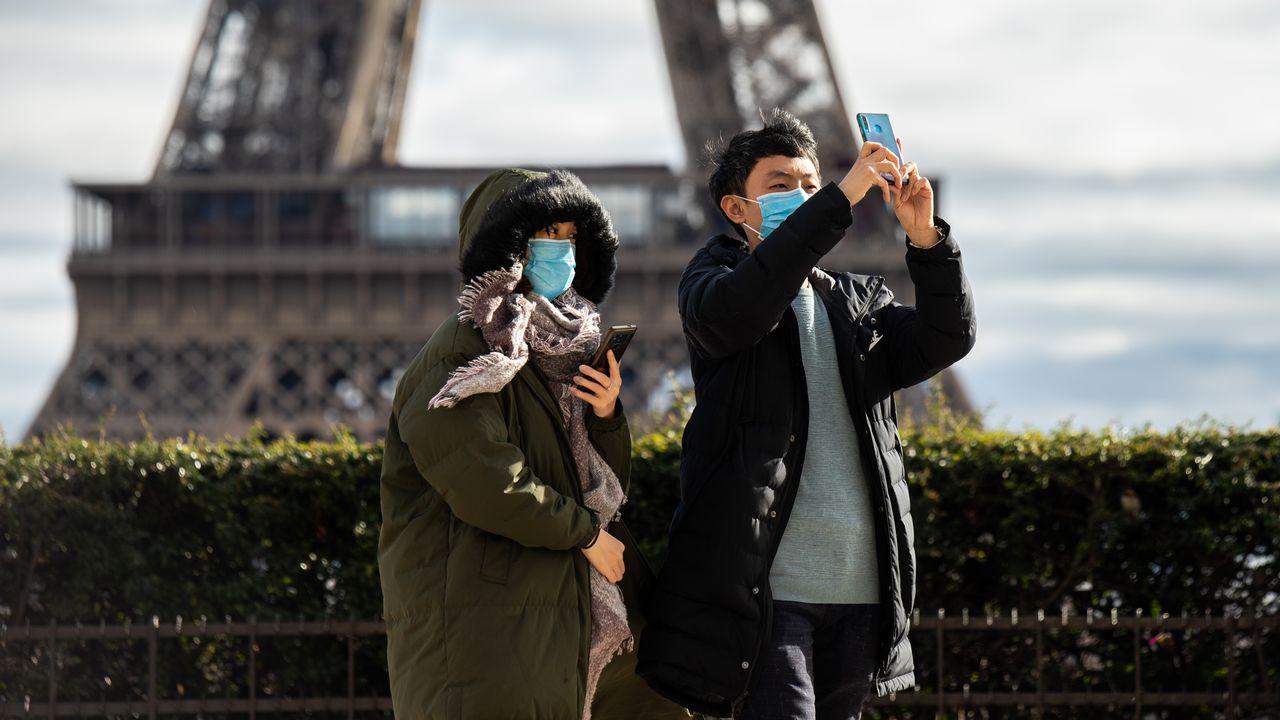 Atteint par le coronavirus, un touriste chinois décède en France. [Jérôme Gilles/Nur Photo - AFP]
