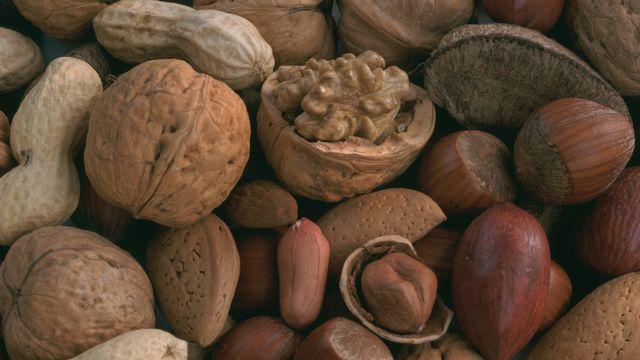 Les noix et autres fruits à coques sont souvent la cause d'allergies. [Maximilian Stock Ltd - afp]