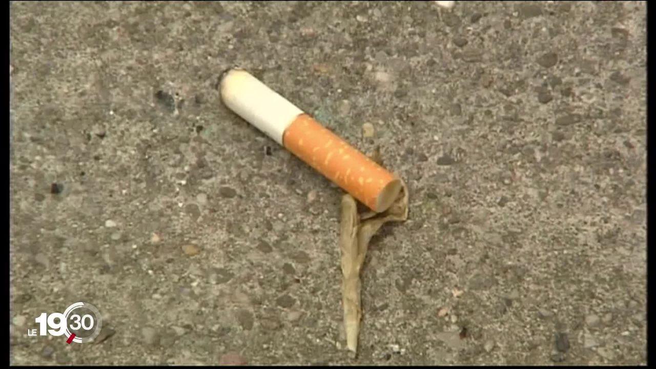 """Le nombre de """"gros fumeurs"""" s'est réduit de moitié en 25 ans. En revanche, le nombre global de fumeurs reste stable. [RTS]"""