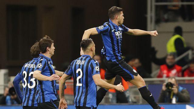 Remo Freuler célèbre après avoir inscrit le 3-0 pour Atalanta. [Antonio Calanni - Keystone]