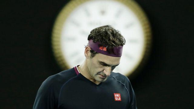 Roger Federer est touché au genou droit. [Lynn Bo Bo - Keystone]