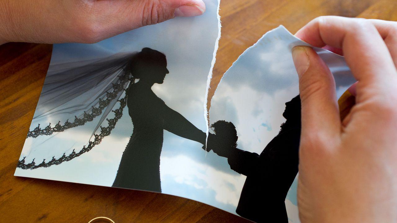 Les Suisses ont été plus nombreux à divorcer en 2019 que l'année précédente. [Patrick Pleul - Keystone]