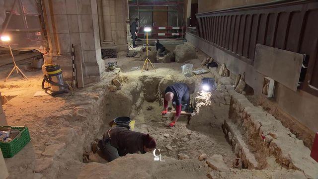 Elodie Botteron a testé pour vous le métier d'archéologue à la Collégiale de Neuchâtel [RTS]
