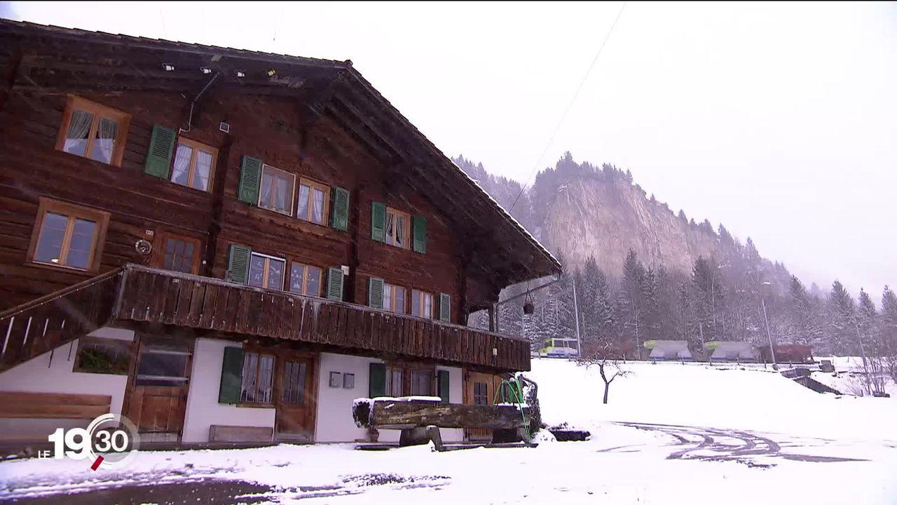 Les habitants de Mitholz (BE) seront évacués durant au moins dix ans afin de permettre l'assainissement du dépôt de munitions. [RTS]
