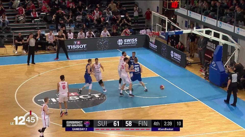 En basketball, l'équipe de Suisse a subi dimanche soir à Fribourg une nouvelle défaite face à la Finlande. [RTS]