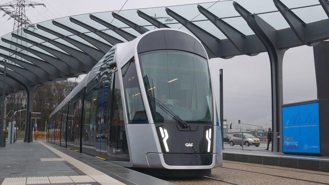 Le nouveau tram de Luxembourg, en service depuis le 10 décembre 2017 [Metrophil - CC BY-SA 3.0]
