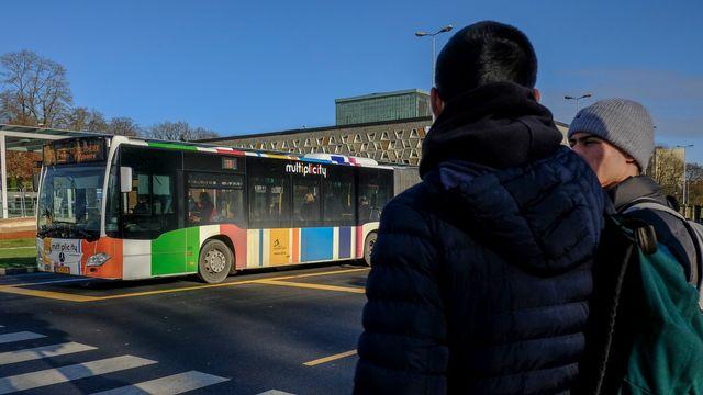 Le Premier ministre libéral luxembourgeois Xavier Bettel a récemment annoncé que la gratuité des transports en commun serait une réalité à partir de 2020. [Julien Warnand - Keystone - EPA]
